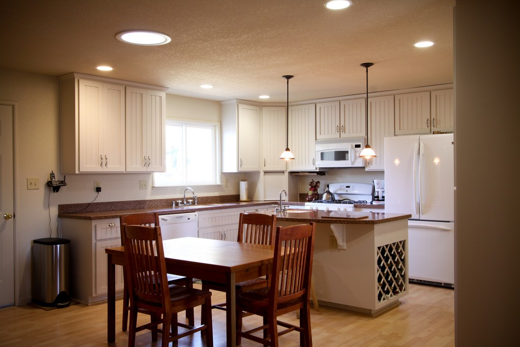 San Francisco Custom Kitchen, Bath, & Cabinet Remodeling Services-We do kitchen & bath remodeling, home renovations, custom lighting, custom cabinet installation, cabinet refacing and refinishing, outdoor kitchens, commercial kitchen, countertops, and more